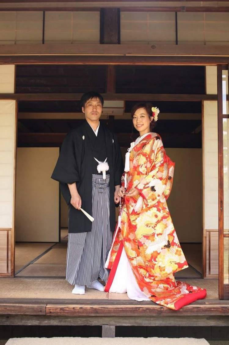 和装前撮り 日本庭園 色打掛で風情あるロケーションフォト 美花嫁