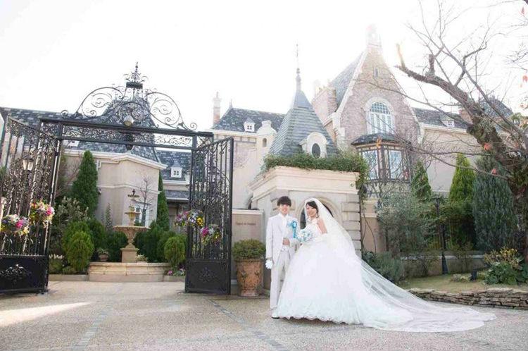 チャペル,結婚式場,前撮り,ウェディングドレス,ポージング