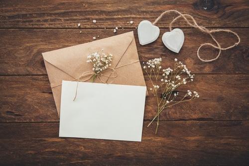 結婚式,招待状,返信,マナー