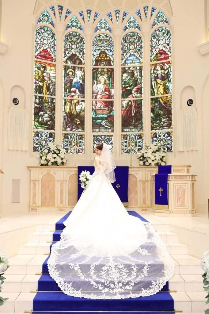 結婚式の前撮りポーズ75選写真110枚【最新版】