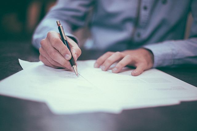 入籍手続き方法徹底解説~婚姻届の提出から流れ、必要書類まで~