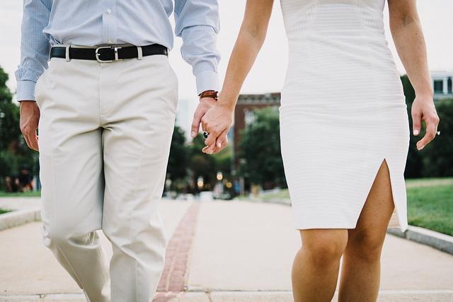 結婚挨拶時の服装マナー|女性と男性の基本的なマナーって?