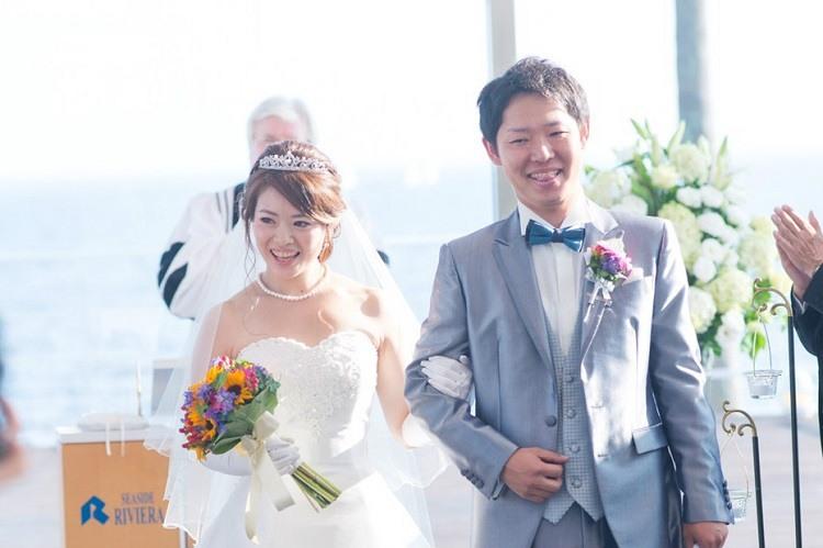 結婚式は退場のときにやっとゲストの顔を見ることができてすごく嬉しかった瞬間