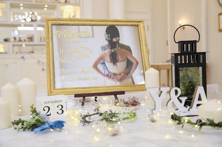 結婚式のウェルカムスペースには前撮り写真で作ったウェルカムボードを置いておしゃれに