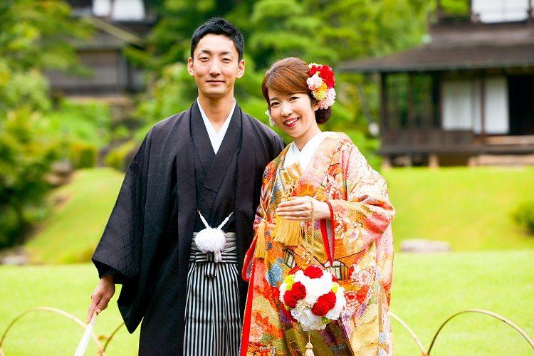 結婚式の和装前撮りでは卒花嫁さんにお譲りしていただいたボールブーケを使用