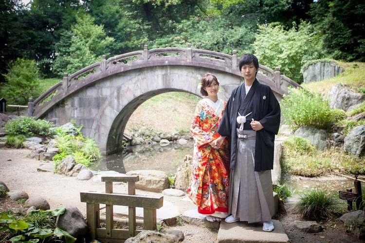 結婚式の和装前撮りは小石川後楽園の円月橋で絵になる1枚