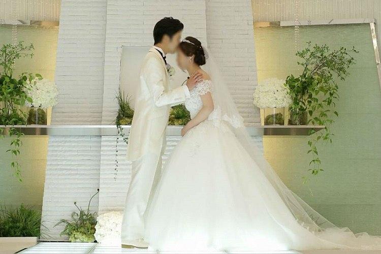 結婚式の誓いのキスは恥ずかしかったこともありおでこに
