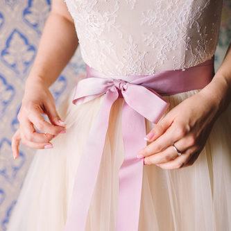 dfcd6b8b7a448 結婚式のゲストドレスはどう選ぶ?選び方のポイントを解説 ...