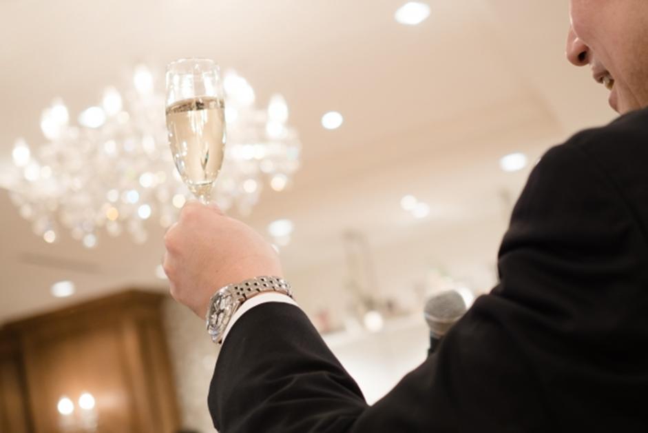 結婚式 披露宴で乾杯の挨拶を頼まれた 例文やスピーチのポイントを知