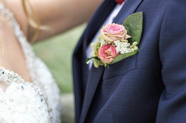 結婚式の髪型はどうする 新郎のヘアメイク 美花嫁図鑑 Farny